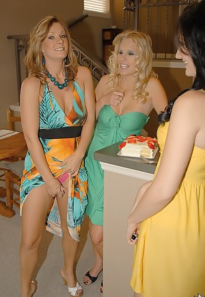 Free Mature Lesbian Orgy Porn Pictures