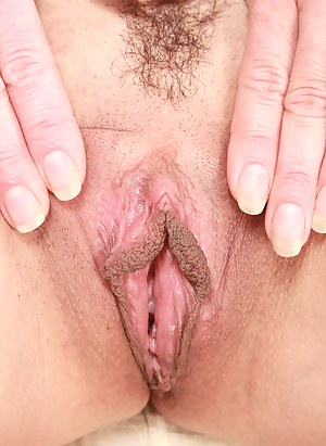 Free Mature Nails Porn Pictures