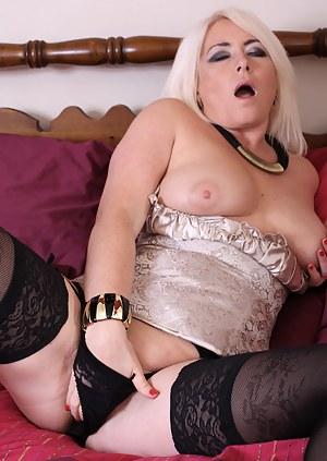 Free Mature Orgasm Porn Pictures